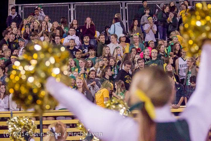 6492 Cheer-Crowd-Band at Football v Port-Angeles 091214