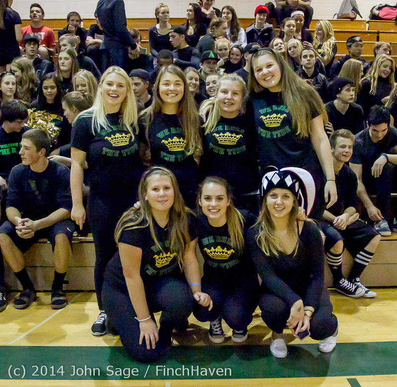 6374_Cheer_and_Black-Out_at_BBall_v_Granite_Falls_120214