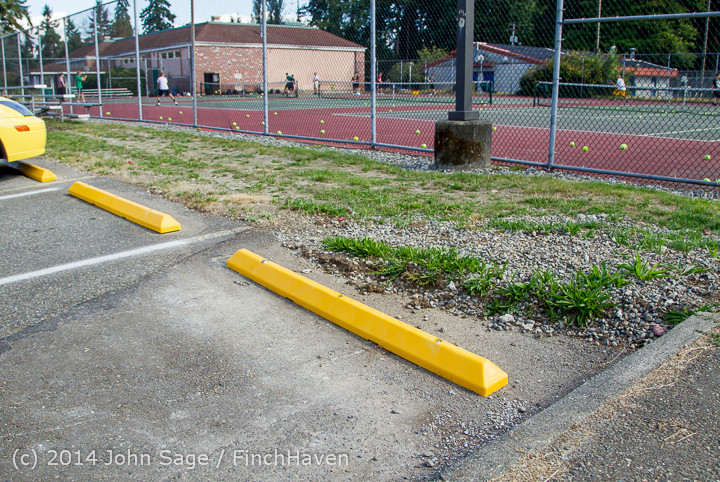 6703_a_First-Week-of-School_Walkabout_2014_090314