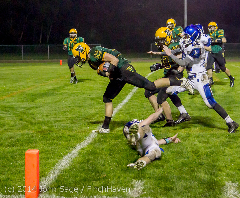 7619_Football_v_Chimacum_103114