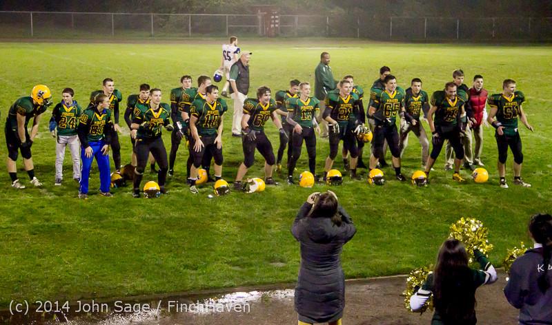 9305 Victory Celebration Football v Chimacum 103114