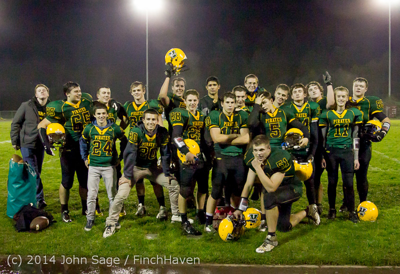 9371 Victory Celebration Football v Chimacum 103114