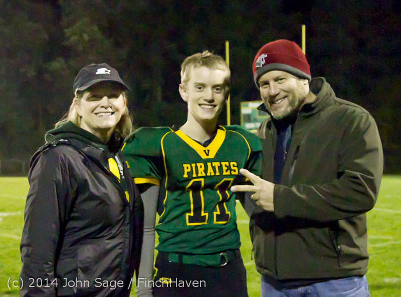 9548 Victory Celebration Football v Chimacum 103114