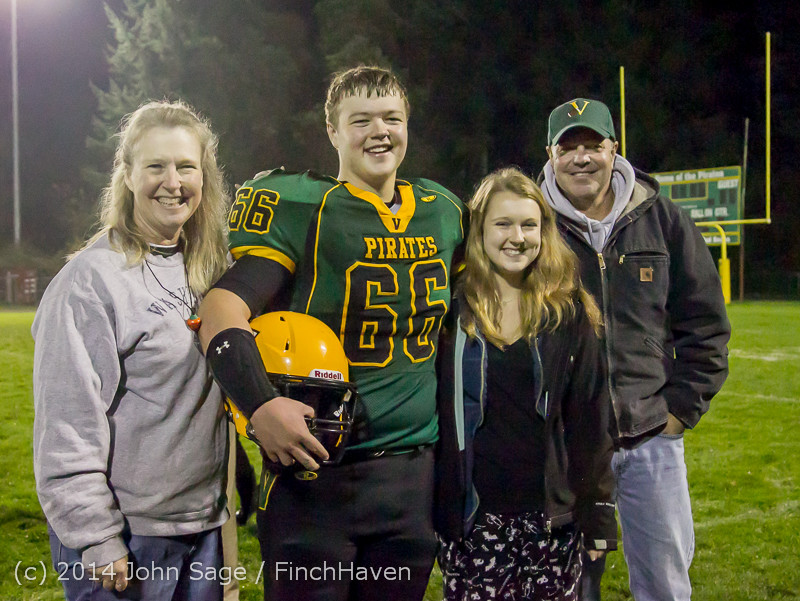 9583 Victory Celebration Football v Chimacum 103114