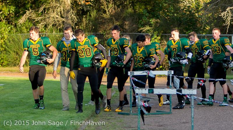 15894 Football v Forks 090415