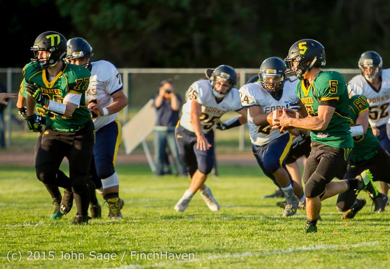16082 Football v Forks 090415