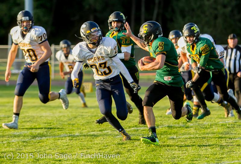 16091 Football v Forks 090415