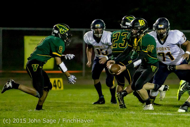 18457 Football v Forks 090415
