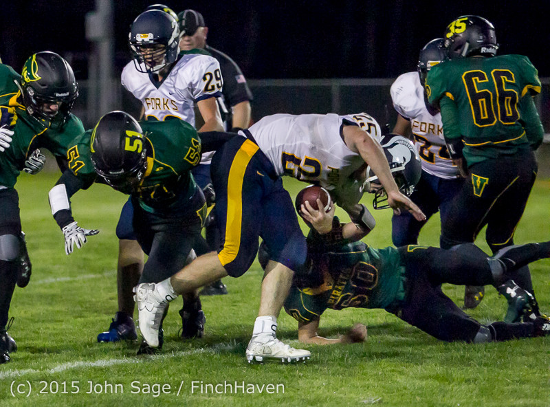 19073 Football v Forks 090415