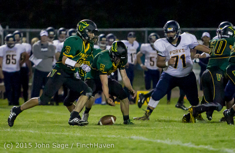 19147 Football v Forks 090415