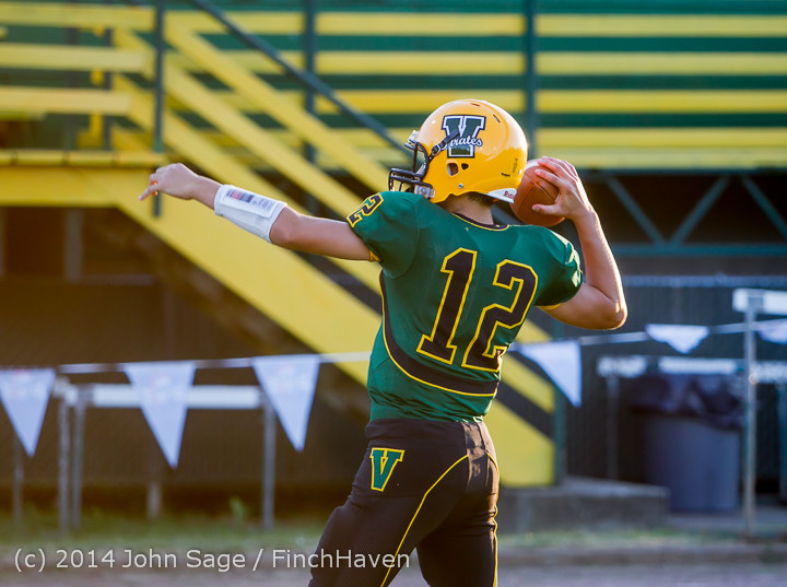 3634_Football_v_Port-Angeles_091214