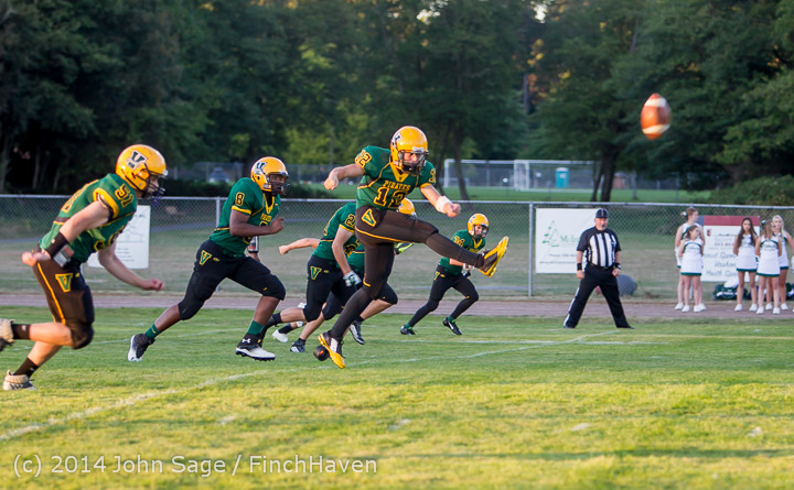 3831_Football_v_Port-Angeles_091214