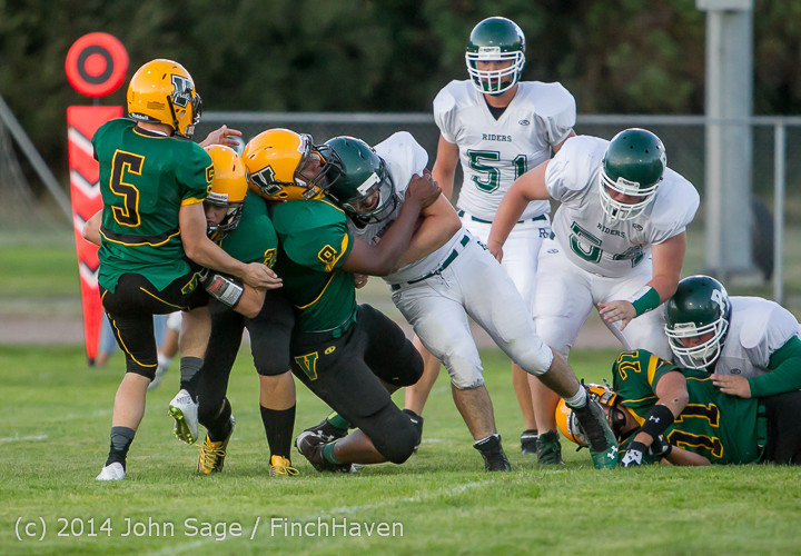 3926_Football_v_Port-Angeles_091214
