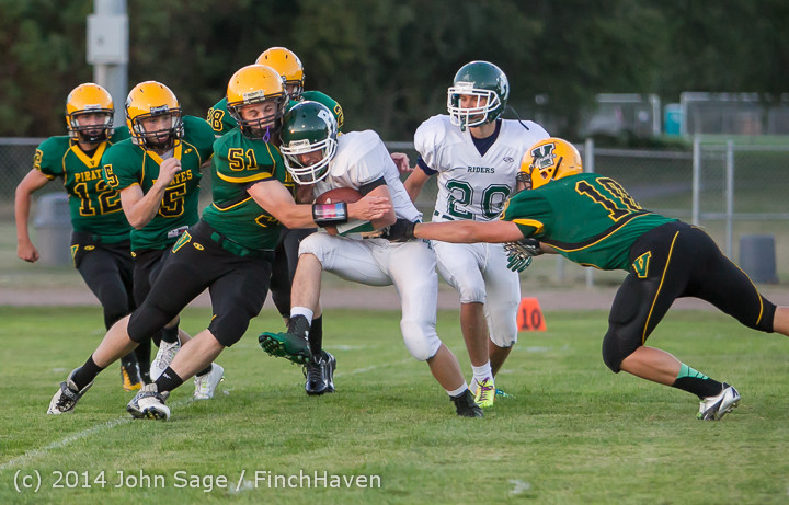 4027_Football_v_Port-Angeles_091214