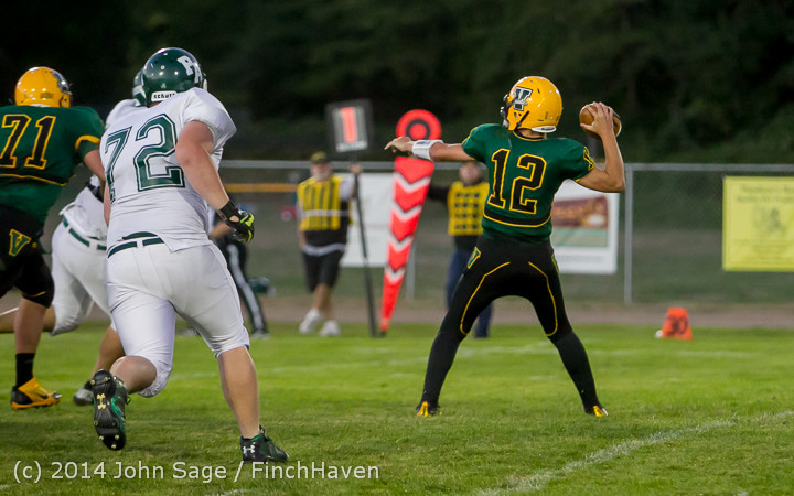 4693_Football_v_Port-Angeles_091214