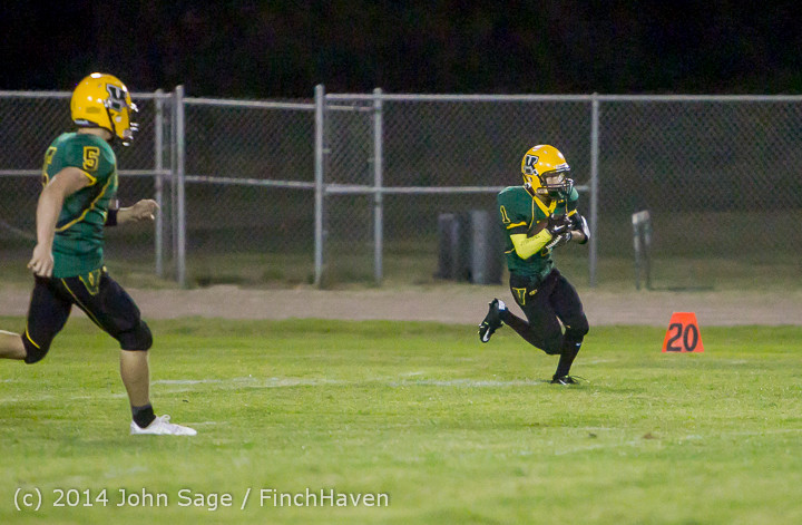 5579_Football_v_Port-Angeles_091214