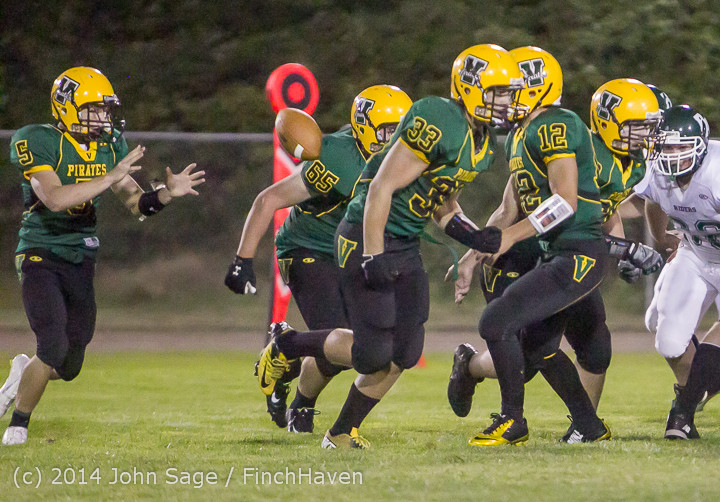5706_Football_v_Port-Angeles_091214