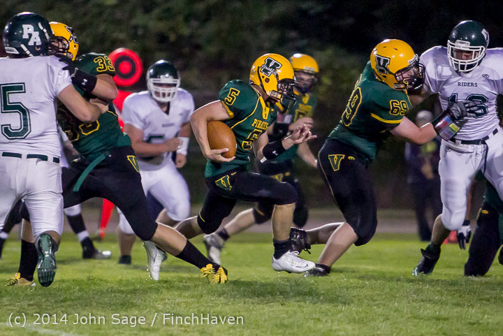 5864_Football_v_Port-Angeles_091214
