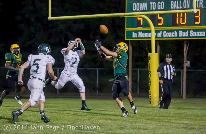 5903_Football_v_Port-Angeles_091214
