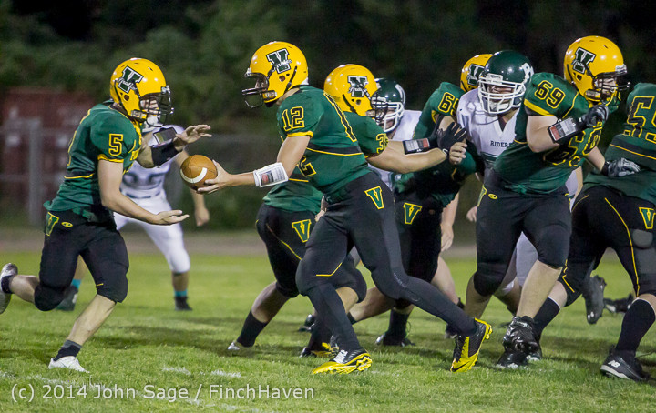 6007_Football_v_Port-Angeles_091214