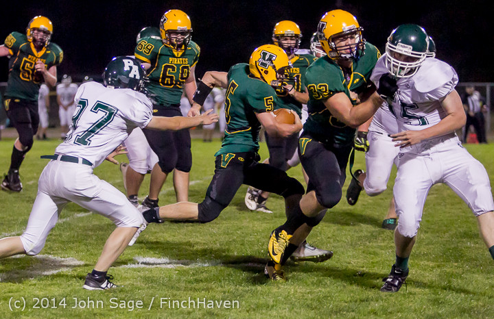 6052_Football_v_Port-Angeles_091214