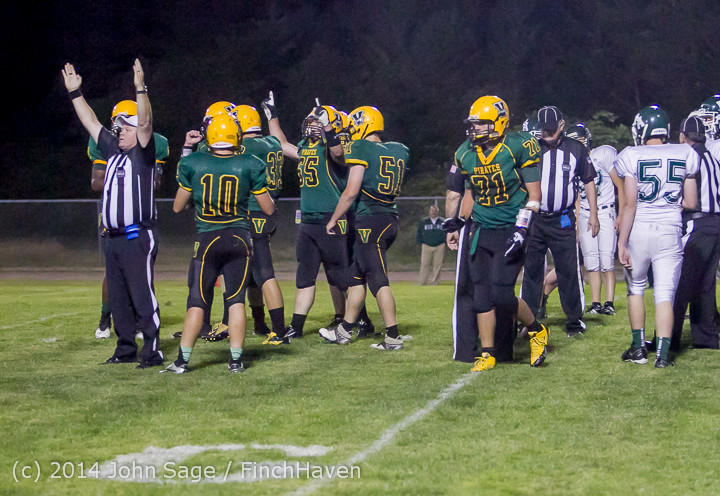 6177_Football_v_Port-Angeles_091214