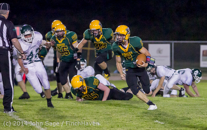 6639_Football_v_Port-Angeles_091214
