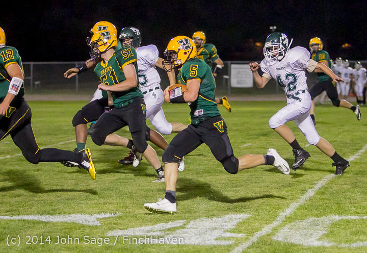 6649_Football_v_Port-Angeles_091214