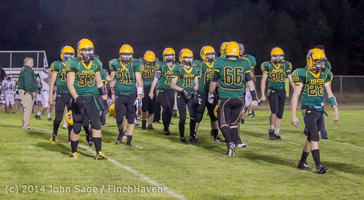 6947_Football_v_Port-Angeles_091214