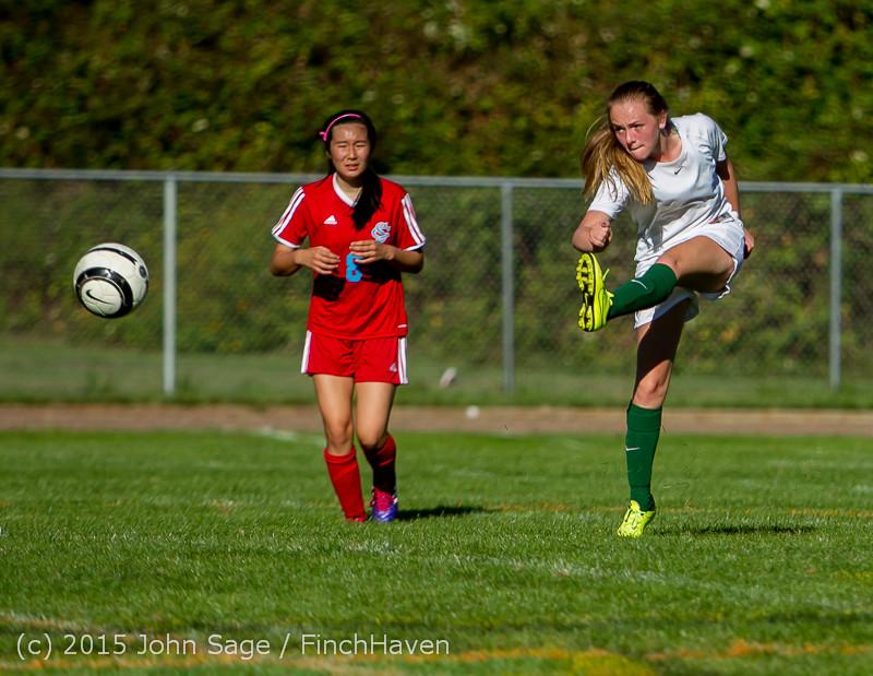 1746 Girls Soccer v Chief-Sealth 090915