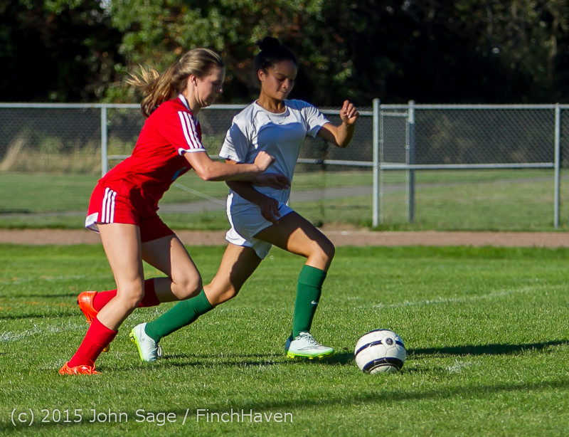 1801_Girls_Soccer_v_Chief-Sealth_090915
