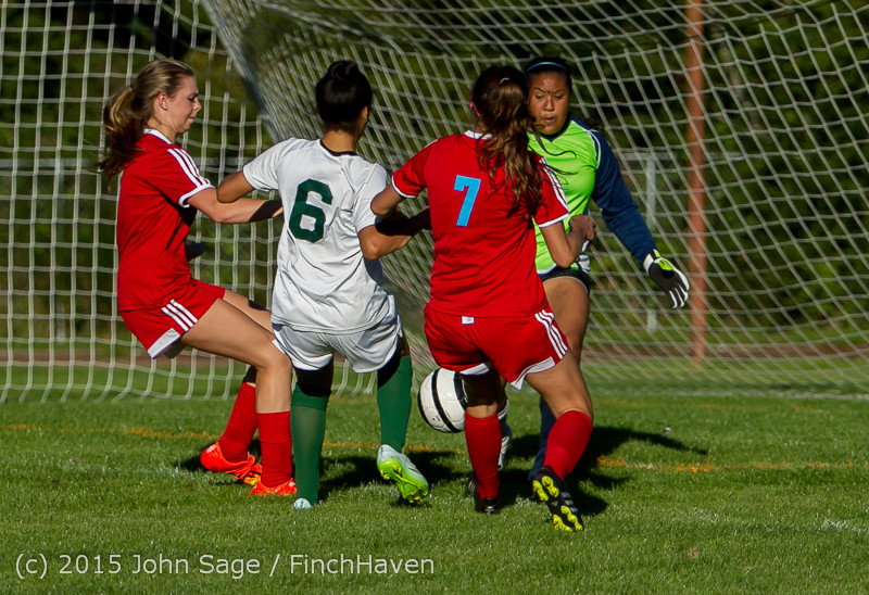 2794 Girls Soccer v Chief-Sealth 090915