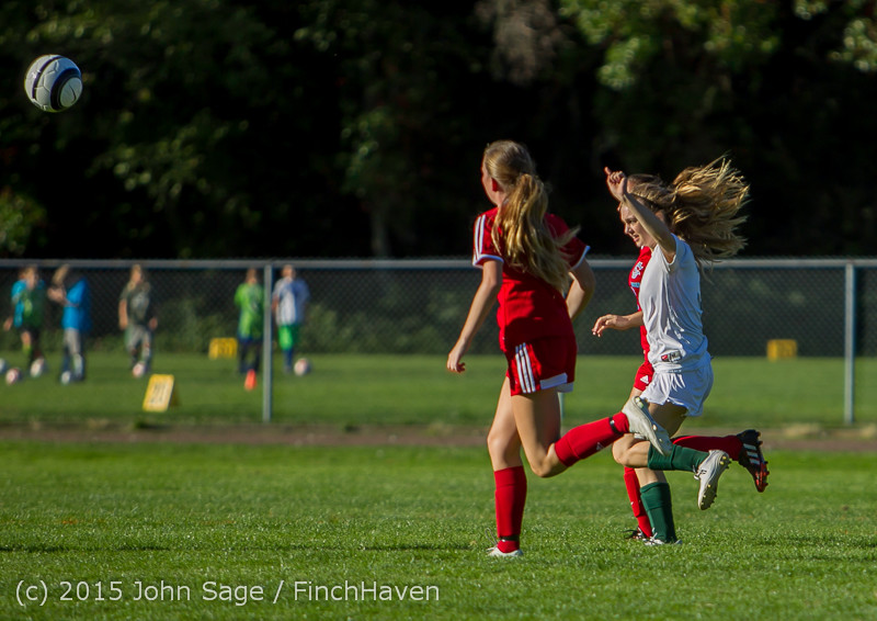 2889 Girls Soccer v Chief-Sealth 090915
