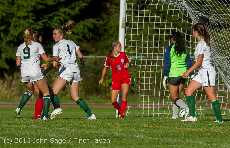 2939 Girls Soccer v Chief-Sealth 090915