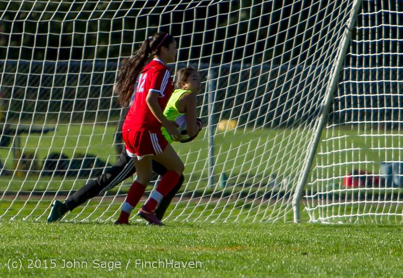 3077 Girls Soccer v Chief-Sealth 090915