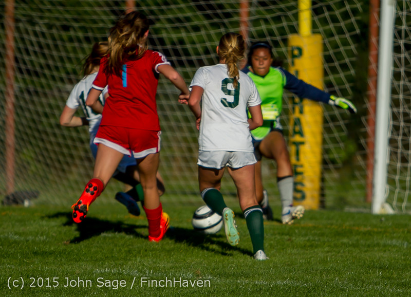3207 Girls Soccer v Chief-Sealth 090915