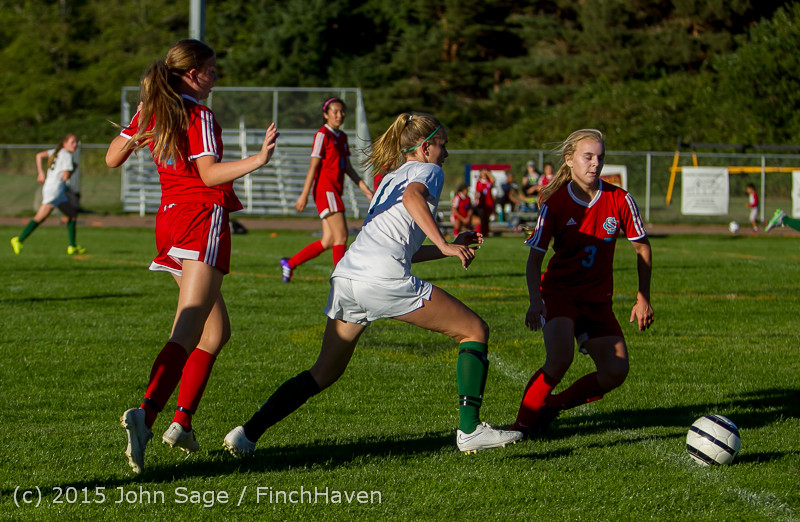 3570_Girls_Soccer_v_Chief-Sealth_090915