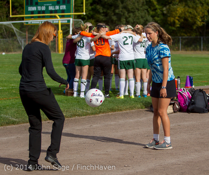 1179 Girls Varsity Soccer v Chief-Sealth 092214