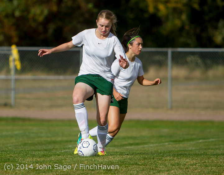 1706_Girls_Varsity_Soccer_v_Chief-Sealth_092214