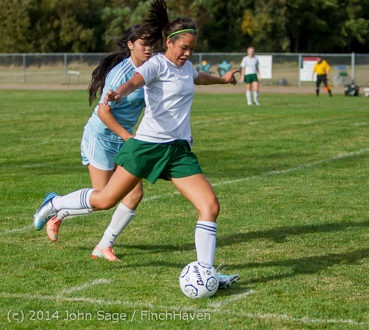 1910_Girls_Varsity_Soccer_v_Chief-Sealth_092214