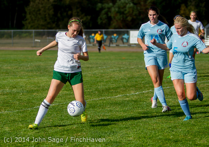 2196 Girls Varsity Soccer v Chief-Sealth 092214