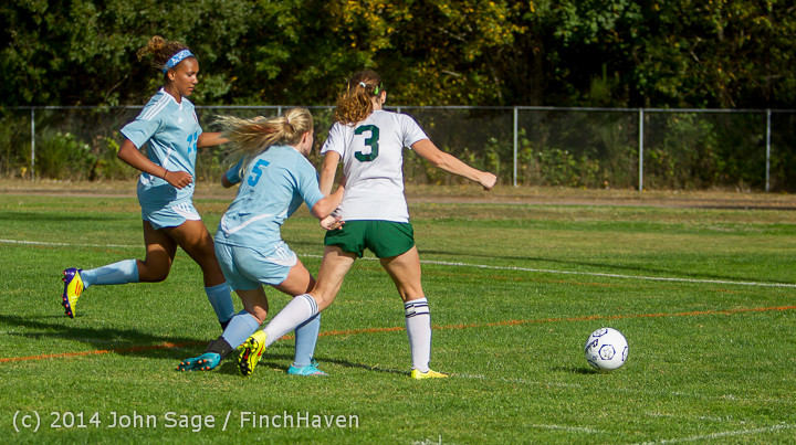 2229 Girls Varsity Soccer v Chief-Sealth 092214