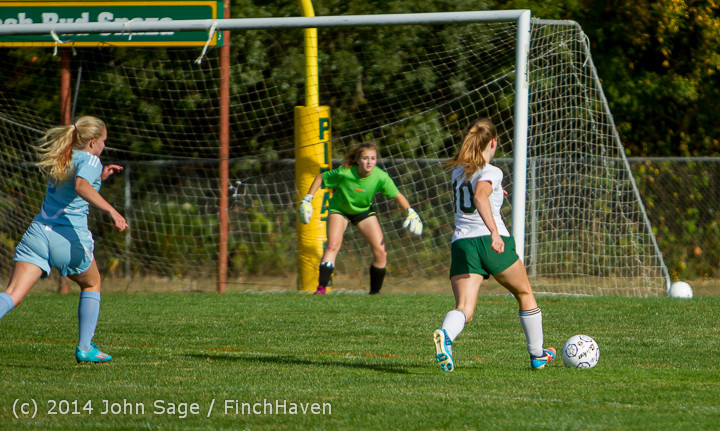 2288 Girls Varsity Soccer v Chief-Sealth 092214