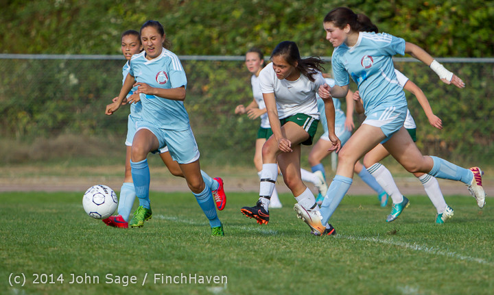 2404 Girls Varsity Soccer v Chief-Sealth 092214