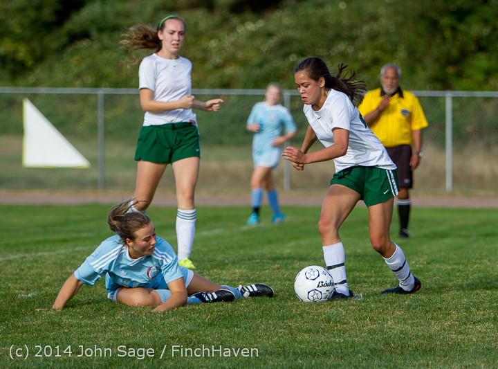 2414 Girls Varsity Soccer v Chief-Sealth 092214