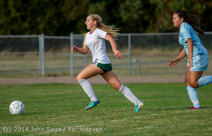 2681_Girls_Varsity_Soccer_v_Chief-Sealth_092214