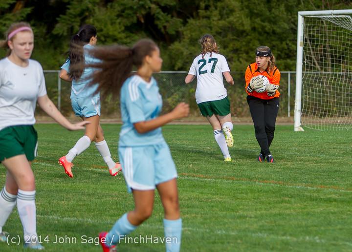 3071 Girls Varsity Soccer v Chief-Sealth 092214