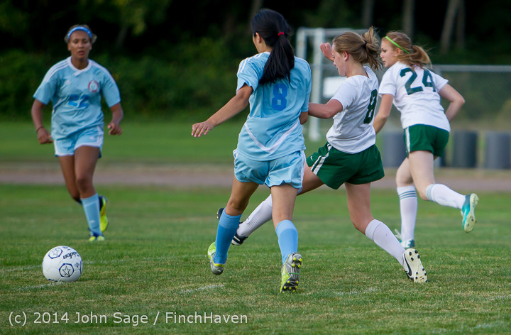 3258 Girls Varsity Soccer v Chief-Sealth 092214
