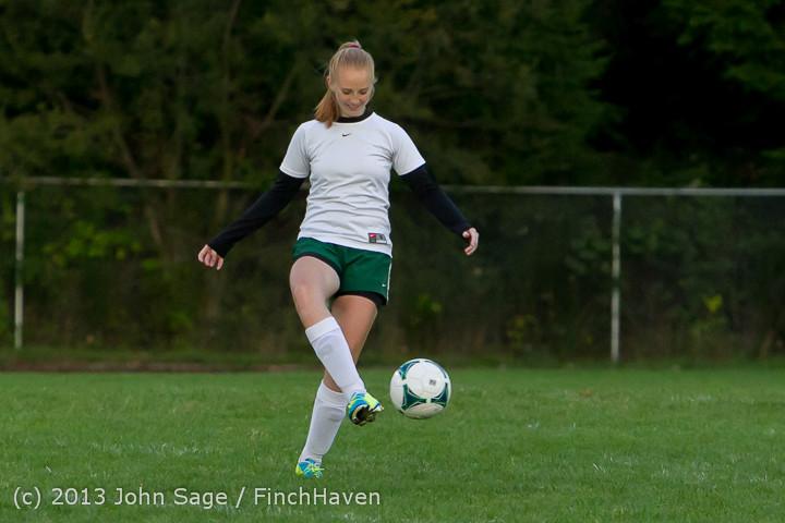 7943_Girls_Soccer_v_Life-Chr_092313