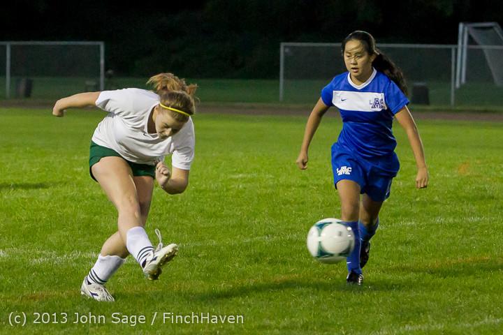 9137_Girls_Soccer_v_Life-Chr_092313